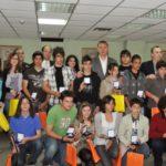 Ο Δήμος Περιστερίου βράβευσε τους μαθητές για τις επιδόσεις τους