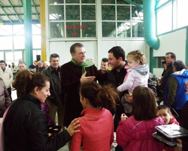 Ο Δήμαρχος Α. Παχατουρίδης με τους Περιστεριώτες