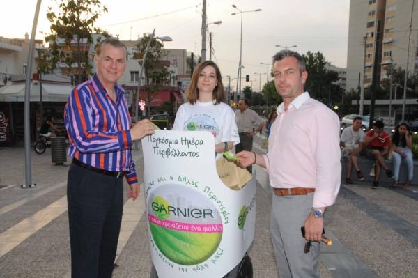 Οι κ.κ. Α. Παχατουρίδης και  Β. Τάτσης κατά την εκδήλωση στην κεντρική πλατεία