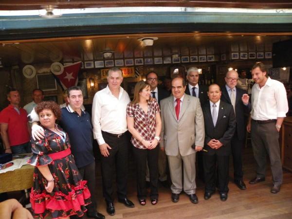 Ο Δήμαρχος Α. Παχατουρίδης με τους Πρέσβεις των λατινικών χωρών
