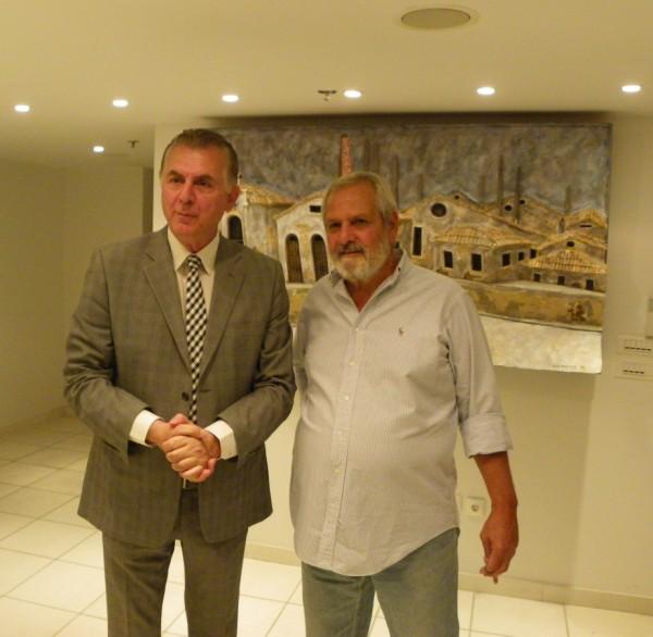 Ο Δήμαρχος Α. Παχατουρίδης με τον εικαστικό καλλιτέχνη Β. Γεωργιακώδη.