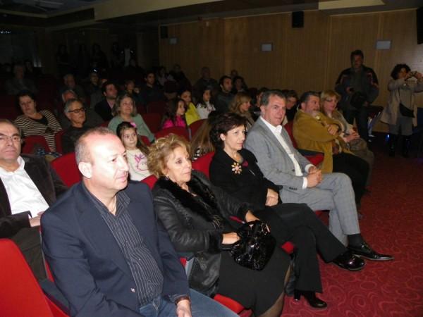 Συγχαρητήρια από τον Δήμαρχο Α. Παχατουρίδη στον Μαέστρο και σ' όλα τα μέλη της ορχήστρας.