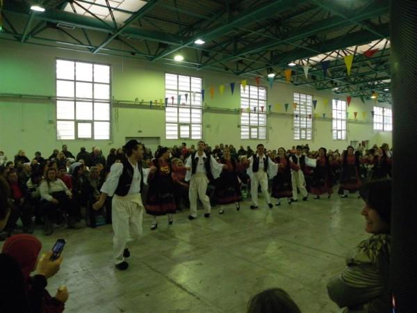 Χορευτικά τμήματα του Δήμου Περιστερίου.