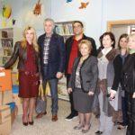 Προσφορά βιβλίων και παιχνιδιών  στη Δημοτική Βιβλιοθήκη Περιστερίου