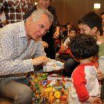 «Νονός» για 680 παιδιά ο Δήμος Περιστερίου