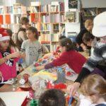 Eργαστήρι Χριστουγεννιάτικων στολιδιών στη Δημοτική Βιβλιοθήκη Περιστερίου