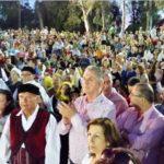 Χιλιάδες Περιστεριώτες απόλαυσαν χορευτικά από το Εργαστήρι Χορών Δήμου Περιστερίου