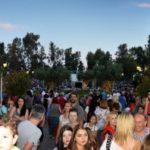 «Βούλιαξε» από κόσμο το Άλσος Περιστερίου στη μεγάλη συναυλία για τον Αντώνη Καλογιάννη