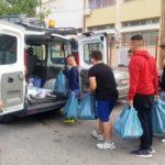 Οι μαθητές του 2ου Γυμνασίου Περιστερίου  παρέδωσαν τρόφιμα στο Κοινωνικό Παντοπωλείο