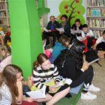 Μαθητές και εκπαιδευτικοί από Ευρωπαϊκές χώρες επισκέφθηκαν τη Δημοτική Βιβλιοθήκη Περιστερίου