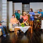 """Για λίγες μόνο παραστάσεις «Συμπέθεροι από τα Τίρανα»  στο Θέατρο """"Ξυλοτεχνία"""" Δήμου Περιστερίου"""