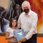 Ο Δήμαρχος Περιστερίου Α. Παχατουρίδης συνεχάρη  την 10χρονη μαθήτρια Γαβριέλα Βραχνού